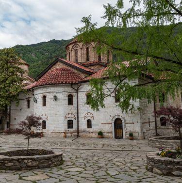 Бачковски манастир и Кръстова гора
