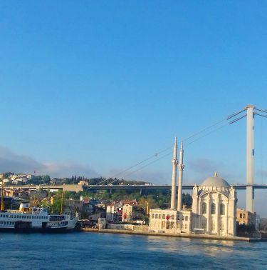 Уикенд в Истанбул с 2 нощувки и нощен преход